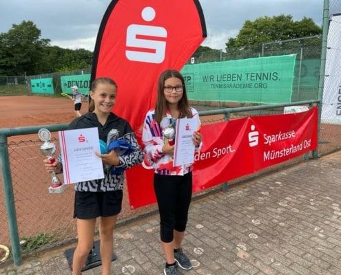 Stolze Teilnehmerinnen beim Jugend Sparkassen Cup in Münster